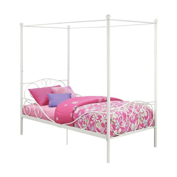 Kovová posteľ s nebesami